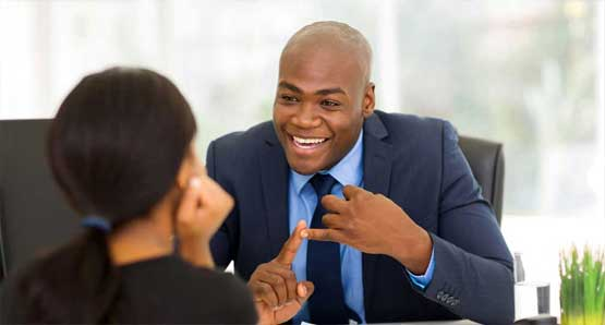 Guy-Explaining-AVBOB-Benefits 2018